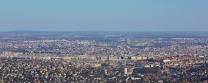 Näkymät János-hegyn tornista. Tarkimmat bongaavat keskeltä Parlamenttitalon.