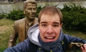 Ronald Reaganin patsaalla haluttiin jotenkin osoittaa sitä, kuinka Georgia haluaa olla enemmän länsimainen kuin venäläinen valtio.