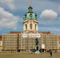 Kuten meikän reissuilla, harvoin mikään on remontissa. Charlottenburgin linna.
