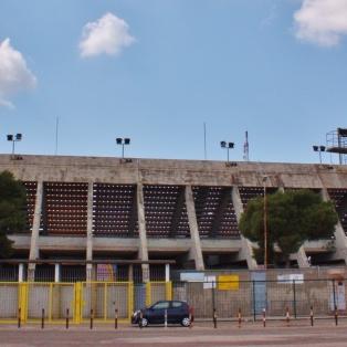 Italian kolmanneksi korkeimmalla sarjatasolla pelaavan U.S Leccen Stadio Vila del Mare, jonka parkkipaikalle eksyi eräs Citroen.