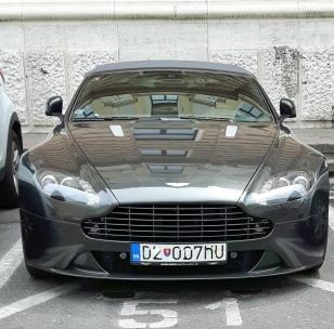 Bratislavassakin aika mukavasti hienoa autoa pystyi bongaamaan.