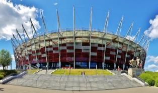 Rullaluistelijat oli valloittaneet myös stadionin ympäristön.