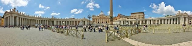 Komeeta kesää myös Vatikaanin puolella.
