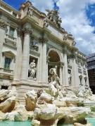 Fontana di Trevi eli Trevin suihkulähde. Ihan jees, mutta...