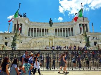 Vittorio Emanuelen monumentti meni kyllä top5 nähtävyyksiin Roomassa.